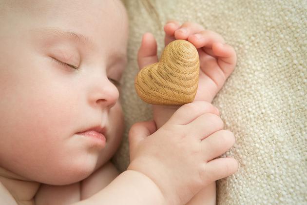 宝宝的好头型能不能睡出来?