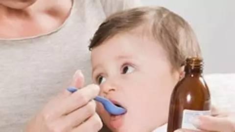 新妈妈第一课:怎样给新生儿喂药
