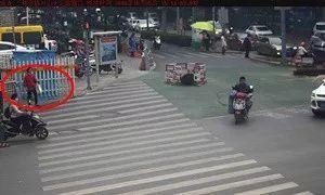 """济南最牛""""街拍""""!那个闯红灯的人是你吗?"""