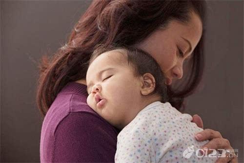 试这2个小办法 宝宝入睡没烦恼