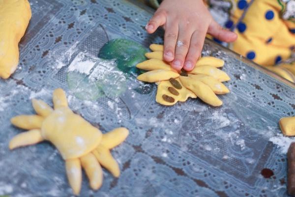 一口馒赛螃蟹来来来----欢乐手工一起做