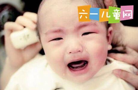 宝宝不愿理发总是哭闹 教你几招轻松搞定