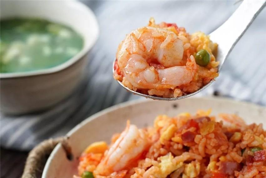 鲜美咸香的番茄虾仁炒饭 厨房小白入门第一